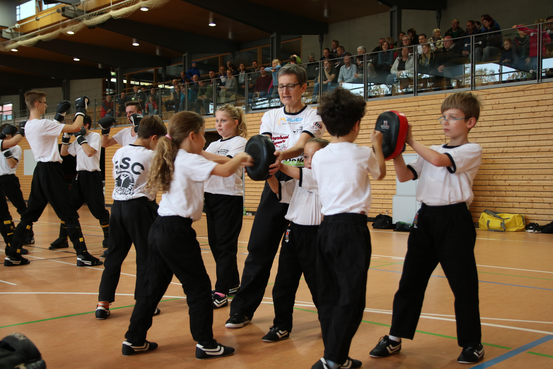 Kickboxen für alle Altersklassen in familiärer Atmosphäre