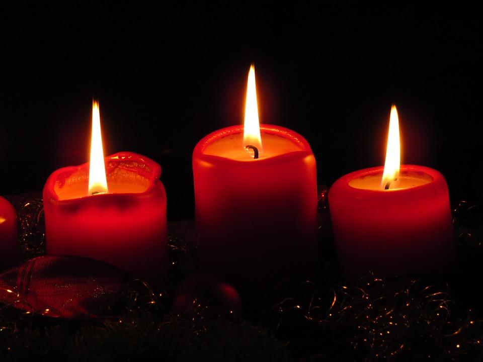Kerzen gehören zur Adventsstimmung