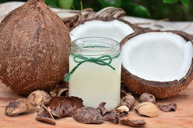 Schöne Haut mit Kokosöl